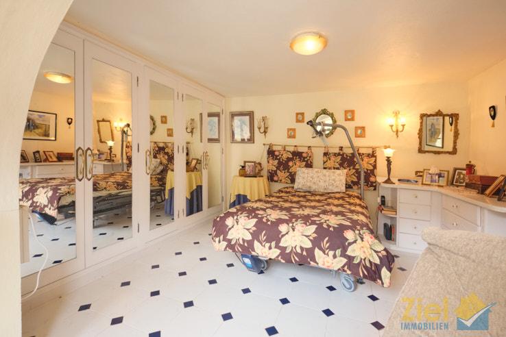 Viel Platz im Hauptschlafzimmer
