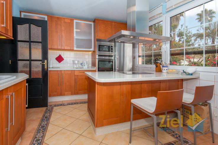 Tolle Küche mit Kochinsel
