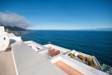 Dachterrassenblick auf das Meer