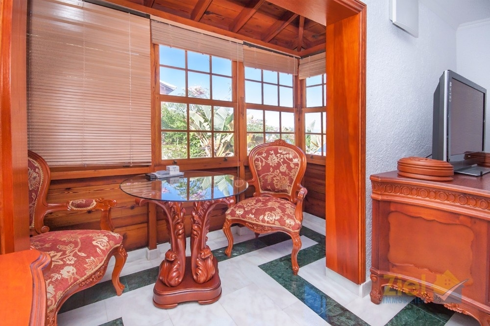 Verglaster Balkon des Schlafzimmers