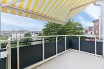 West- Balkon mit Markise