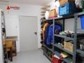 Nebenraum mit Zugang zur Garage