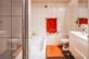 Bad mit Dusche, Wanne, WC und Doppellavabo