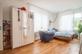 Schlafzimmer mit Masterbad möbliert