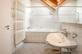 Bad mit Dachfenster