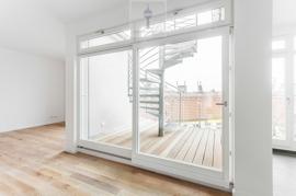 imcentra-immobilien-berlin-eigentumswohnung-friedrichshain-schiebetür