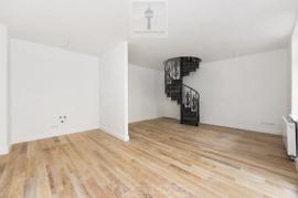imcentra-immobilien-berlin-eigentumswohnungen-friedrichshain-maisonettetreppe