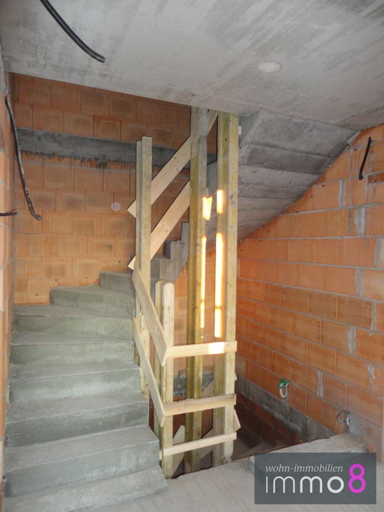 geräumiges Treppenhaus