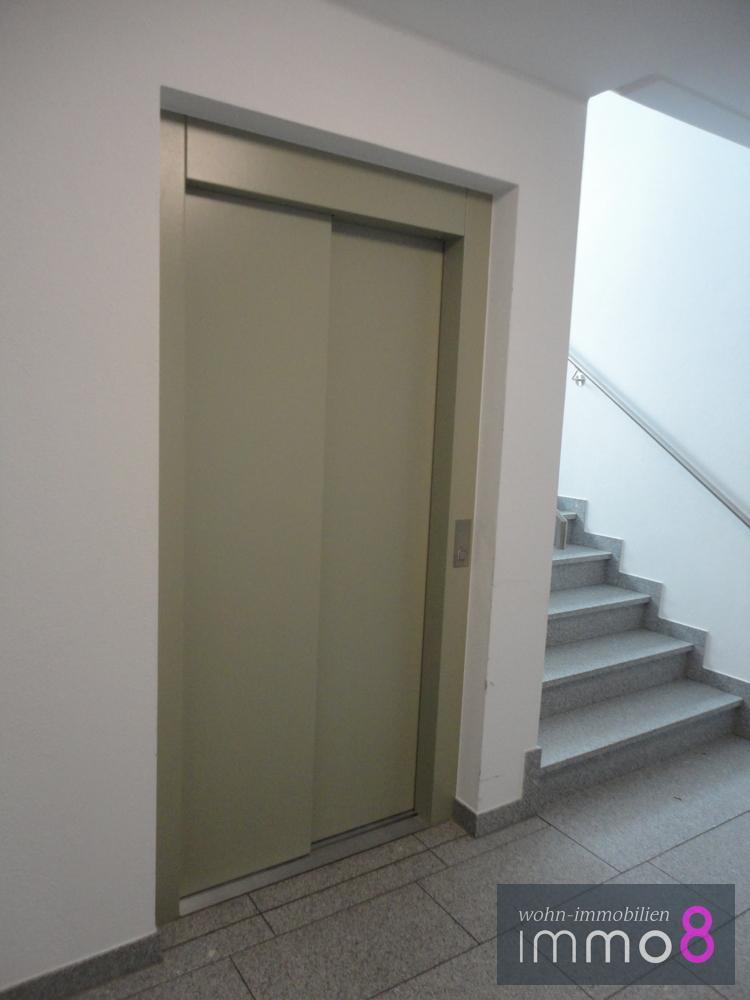 Aufzug in alle Etagen