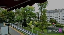 großzügiger uneinsehbarer Balkon
