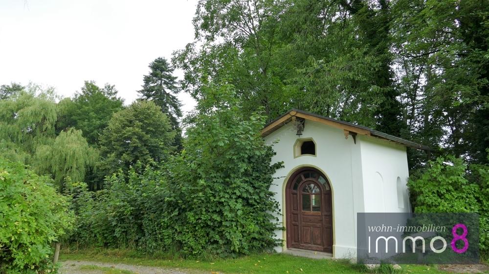 angrenzend wunderbare kleine Kapelle