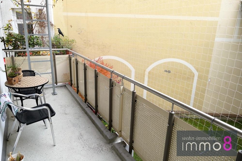 Balkon über die gesamte Breite