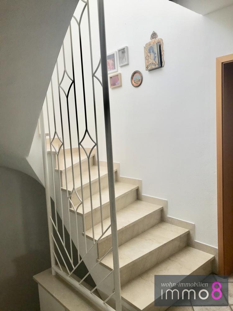 Treppenhaus ins OG