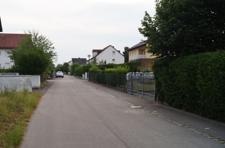 Mittelfeldweg Ansicht zum Eingang