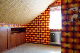 Kinderzimmer im Dachgeschoss1