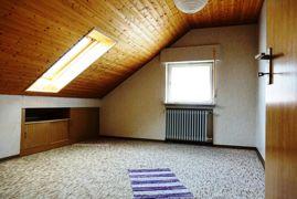 Zimmer im Dachgeschoss