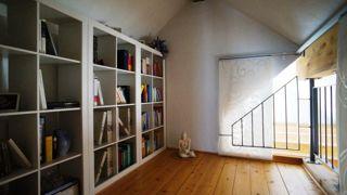 kleine Bibliothek im Dachgeschoss