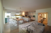 Wohnzimmer Blick auf Küche und Essbereich