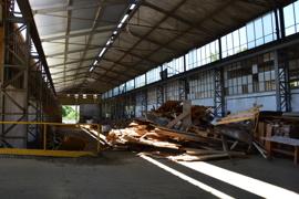 Lagerhalle groß
