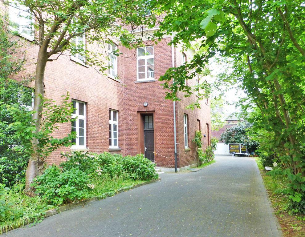 Eingang 2/ Kloster-Innenbereich