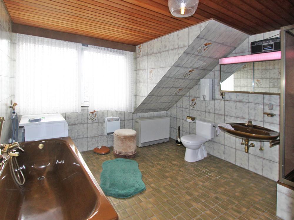 Dusch-Wannen-Bad OG