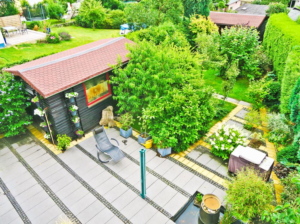 Sommer Garten/ Gartenhaus I.