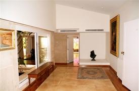 07 entrance hall 1.1