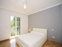 011 Master bedroom