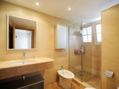 014 2nd Bathroom