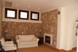 11 further sitting area with fireplace
