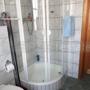 Dusche im Bad im EG
