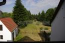 Blick vom Balkon in das Grundstück