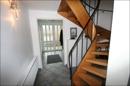 Eingangsbereich mit Treppe in die Etagen