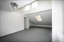 Großes Studio im Dachgeschoss
