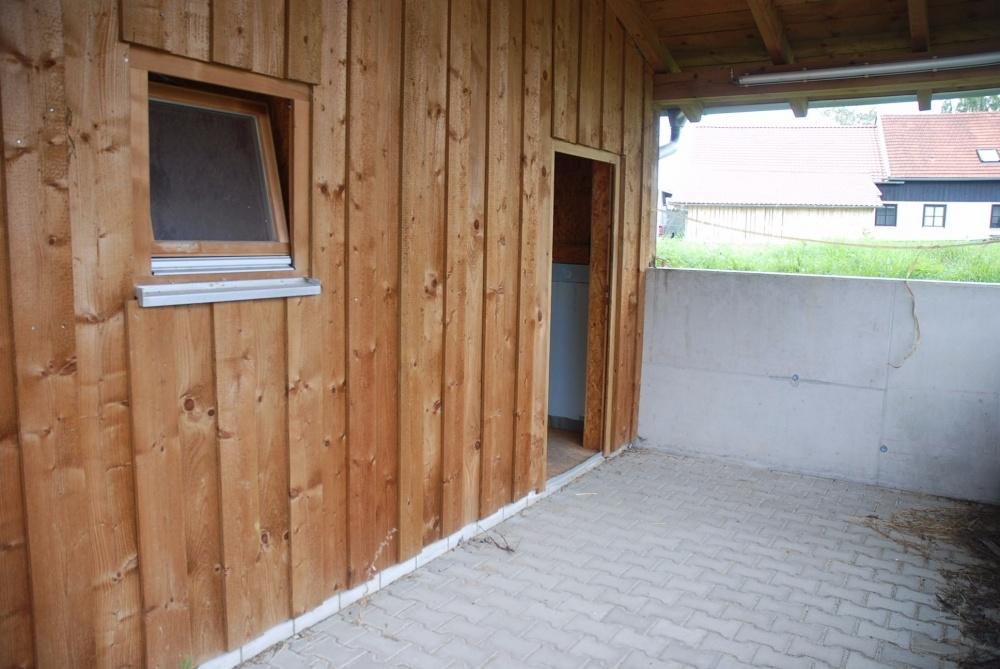 Waschplatz / Zugang Sanitärbereich
