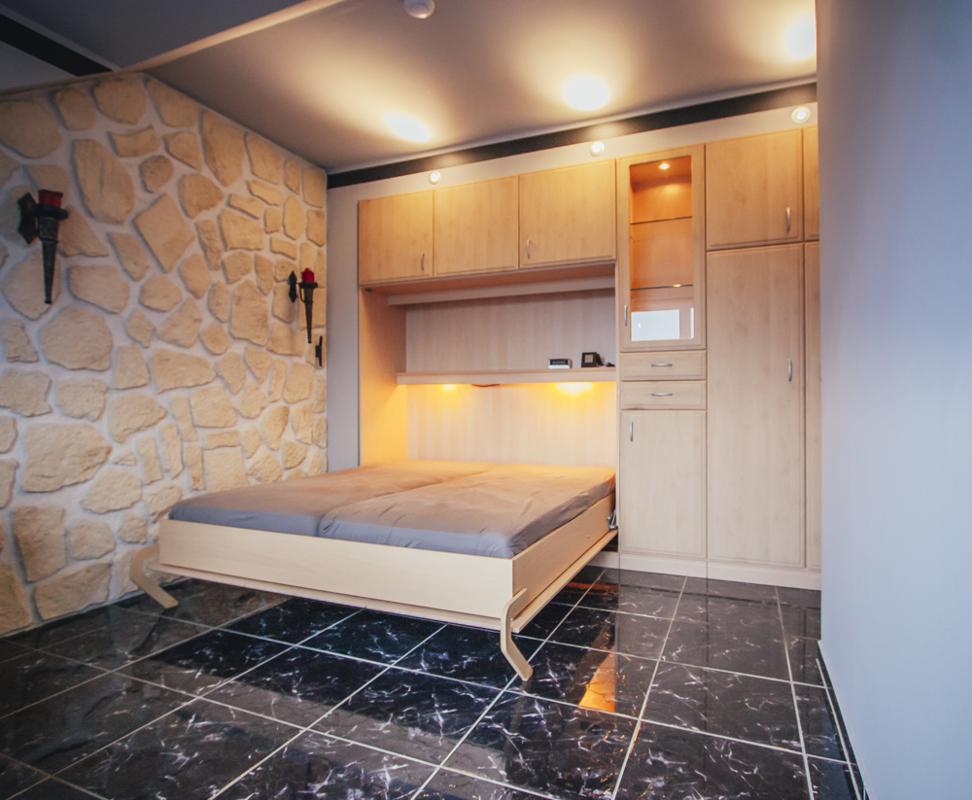 Schlafzimmer (8)