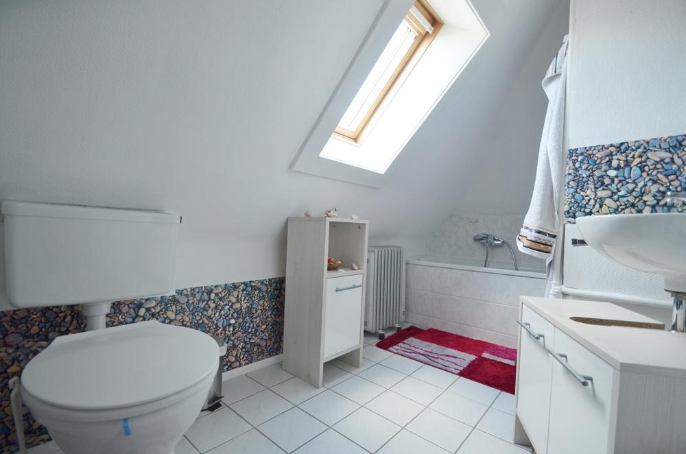 Badezimmer Wohnung DG