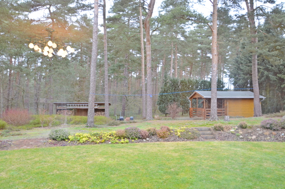 Blick zum Gartenhaus