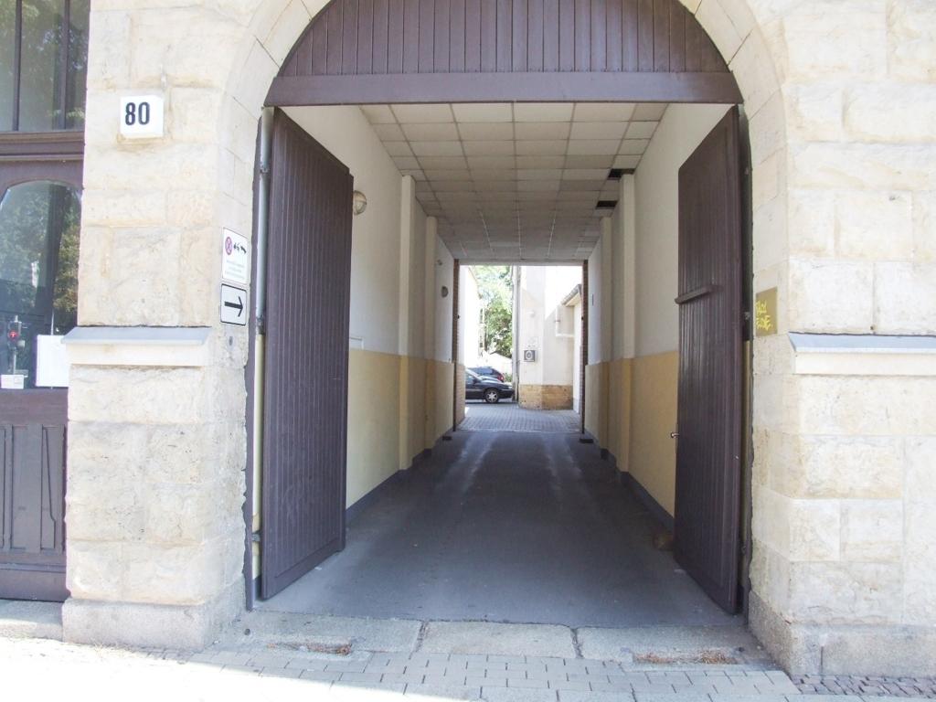 Zufahrt Hinterhof