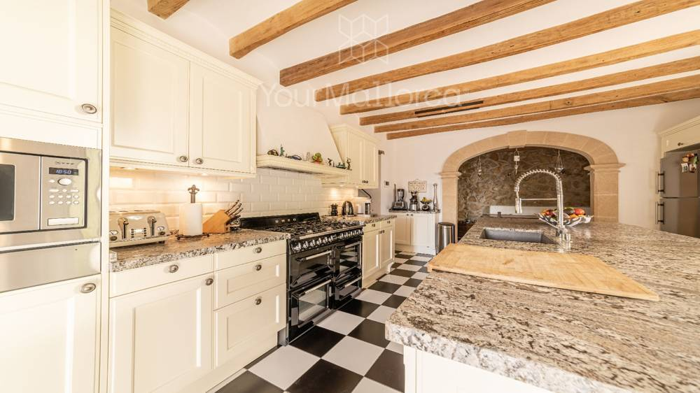 Bonanova Villa for Sale-11